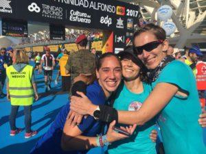 Meta Maratón Valencia 2017 Patri, Clara y Paula Juntas Es Mejor